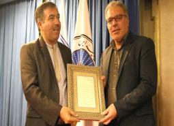 تجلیل از شهرداری  مبارکه بعنوان شهر برتر استان در بخش گردشگری