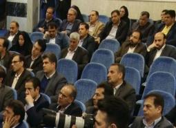 تجلیل از خدمات مهندس هاشمی شهردار مبارکه در گردهمایی شهرداران استان اصفهان