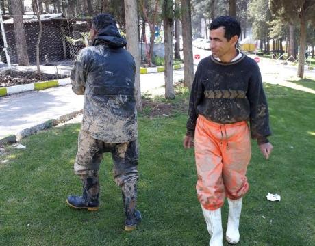 اعزام نیروی انسانی و تجهیزات کمک رسانی شهرداری مبارکه به مناطق سیل زده استان لرستان