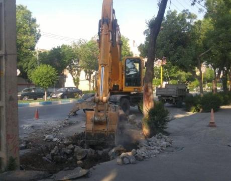 گزارش تصویری / روایت تلاش در حوزه خدمت شهری / اصلاح پل های آبرو در خیابان شهید نیکبخت