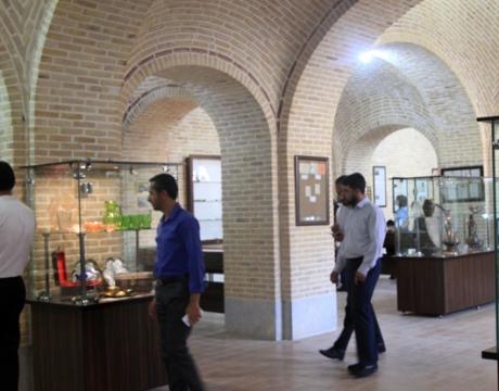 گزارش تصویری /بازدید پرسنل حوزه معاونت مدیریت توسعه و منابع شهرداری مبارکه از پروژه ها و ظرفیت های گردشگری شهر بروجن