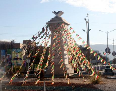 گزارش تصویری / فضاسازی سطح شهر به مناسبت دهه مبارک فجر و انتخابات
