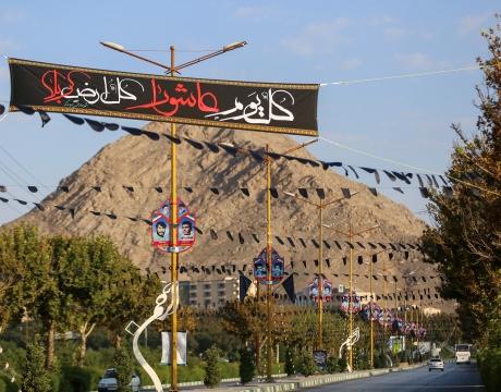 گزارش تصویری / شهر سیه پوش توست... / بخشی از فضاسازی شهری شهرداری مبارکه برای ایام محرم