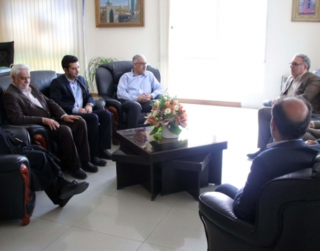گزارش تصویری / دیدار شهردار ، رئیس و اعضای شورای اسلامی شهر مبارکه با مدیرکل راه و شهرسازی استان