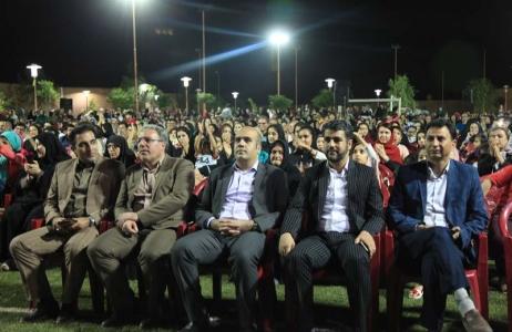 جشن بزرگ خانواده با حضور با شکوه شهروندان در مجموعه فرهنگی تفریحی مادر برگزار شد