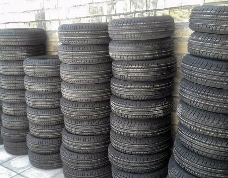 عرضه 60 حلقه لاستیک به نرخ دولتی توسط شرکت تعاونی تاکسیرانی مبارکه