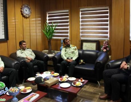 گزارش تصویری/ دیدار فرمانده نیروی انتظامی شهرستان با شهردار مبارکه