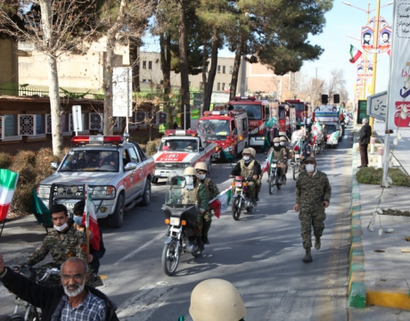 گزارش تصویری / مراسم راهپیمایی ۲۲ بهمن چهل و دومین فجر انقلاب در مبارکه/همدلی مردم مبارکه با حضور خودرویی و موتوری